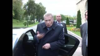 getlinkyoutube.com-На чем ездит Жириновский
