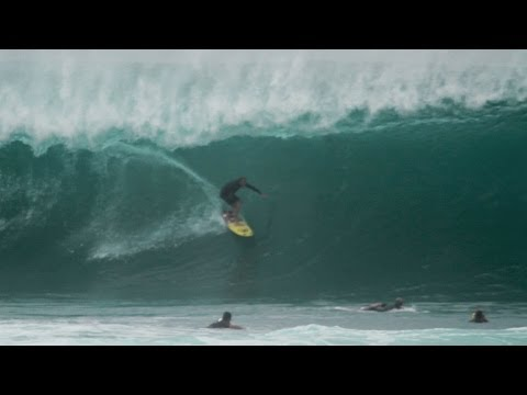 Flynn Novak Tube Ride at Pipeline