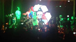 getlinkyoutube.com-PHARAOH – BLACK SIEMENS (live)