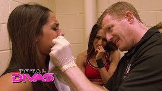 getlinkyoutube.com-Nikki Bella loses her tooth in a match: Total Divas, March 23, 2014