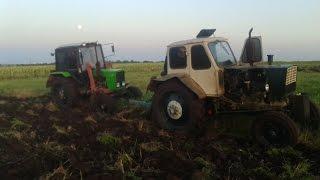 getlinkyoutube.com-ЮМЗ-6 турбо и МТЗ 82.1 пахота стерни пшеницы 2015