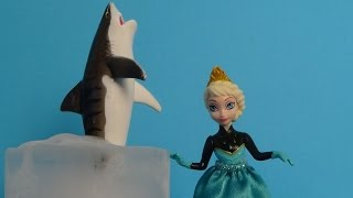 """Barbie Elsa Frozen Pool Party with Hello Kitty & MLP """"Shark Attack"""""""