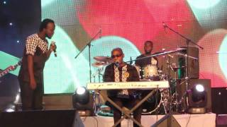 getlinkyoutube.com-Kwadwo Akwaboah Snr & Akwaboah Jnr perform 'Hini Me' @ Lord of the Ribs