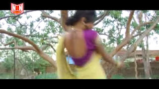 getlinkyoutube.com-Bhojpuri Hot Songs - Kari Jan Ragda Ragdi - Hot Couple in Bed - Hot Bhojpuri Songs in Bed Latest