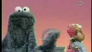 getlinkyoutube.com-Cookie Monster and the letter C