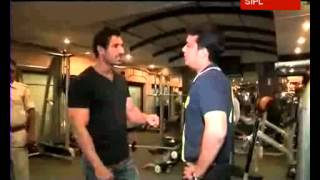 getlinkyoutube.com-John Abraham gives tips to build a good physique to Star News' Siddharth Sharma