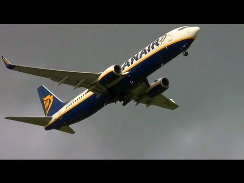 Boeing 737-800 High Zoom Takeoff in HD
