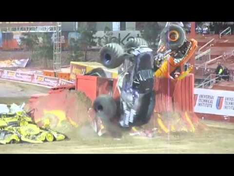 Amazing Monster Truck Double Backflip