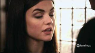 getlinkyoutube.com-1x01 Aria & Ezra #4
