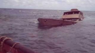 getlinkyoutube.com-Boat Salvage video.avi
