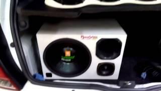 getlinkyoutube.com-Clio tocando com Street Bass 900 caixa trio