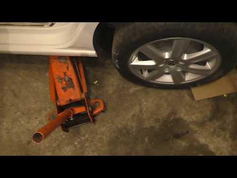VW Polo Sedan - Как подтянуть ручник