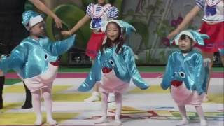 "getlinkyoutube.com-2016 쁘띠모예술제 ""상어의 노래""  (Shark Baby Family Kids Song)"