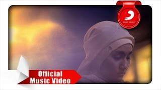 getlinkyoutube.com-Fatin - Dia Dia Dia (Official Music Video)