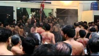 getlinkyoutube.com-Agha Mustafa Shah 10 Muharram zanjeer zani jalus PESHAWAR.