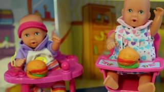 getlinkyoutube.com-Baby Doll Potty Training - Barbie baby doll eat & poop - fun potty toy My Disney Toys