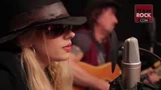 getlinkyoutube.com-Richie Sambora and Orianthi- Livin' On A Prayer (Music Video)