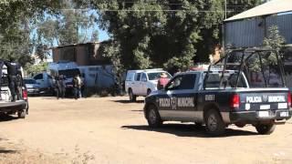 getlinkyoutube.com-Hallan cadáver envuelto en hule negro  en Juan José Ríos