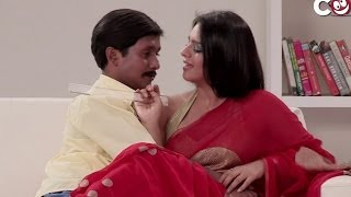 getlinkyoutube.com-Hot Wife with School Boy - Aadmi Heera Hai