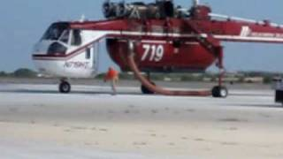 getlinkyoutube.com-Sikorsky Sky Crane Engine Start and Takeoff