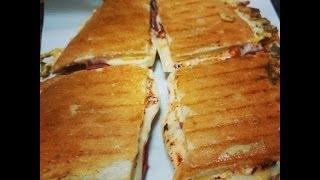 getlinkyoutube.com-Special (Yumurta Sucuk Kaşar) Tost Nasıl Yapılır ?