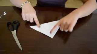 getlinkyoutube.com-How to: Make pretty & cool Paper Snowflakes