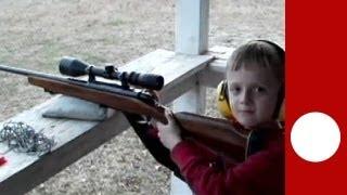 getlinkyoutube.com-Usa: un bambino uccide la sorellina con un fucile ricevuto in regalo