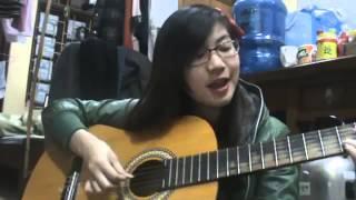 getlinkyoutube.com-Cô gái vừa đàn vừa hát 'Người tình mùa đông' cực hay(gây sốt cư dân mạng)
