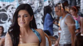 getlinkyoutube.com-Kriti Sanon Interviewing Mahesh Babu At Goa || 1 Nenokkadine Tamil Movie Scenes