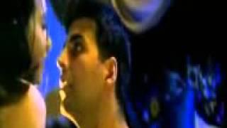 Very Beautiful Karishma Kapoor And Akshay Kumar.3gp