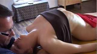 getlinkyoutube.com-Lomi Massage Ausbildung in der Gantke® Lomi-Schule / gantke.eu