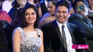 getlinkyoutube.com-ShahRukh Khan Grand Entry and Performance Filmare 2016
