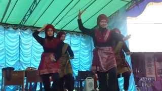 getlinkyoutube.com-Juara 3 Tari SMA N2 Sambas (Tari Kreasi Melayu) COVER Siti Nurhaliza-Nirmala
