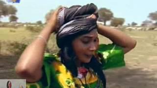 getlinkyoutube.com-الفنانة صفاء السني  - أمونة - فيديو كليب من دارفور- نيالا
