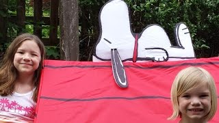 How to build a Snoopy Dog House Play tent!  | Time For Toys | Babyteeth4