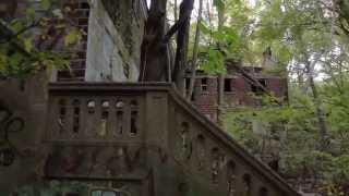 getlinkyoutube.com-Abandoned hospital in the woods. Urbex.