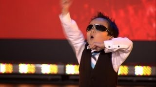 getlinkyoutube.com-Vierjarige Tristan danst Gangnam style in Belgium's Got Talent