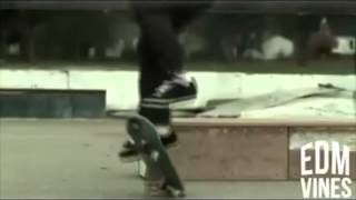 getlinkyoutube.com-Skrillex - Skateboard