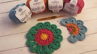 getlinkyoutube.com-Aprende a tejer una flor con cenefa de colores I Flower Power I (ENGLISH SUB! cucaditasdesaluta