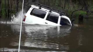 getlinkyoutube.com-The most spectacular river crossing by car. 4x4 off road