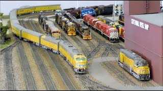 getlinkyoutube.com-HO Scale: Passenger Special featuring UP, KCS, Amtrak, and Santa Fe