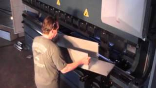 getlinkyoutube.com-Durma - Press Brake | Deep Box Forming