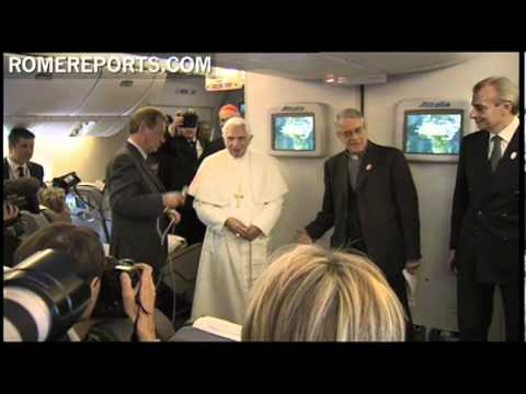 Pope meets with reporters on Papal plane