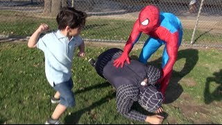 getlinkyoutube.com-SPIDERMAN IN REAL LIFE PRANK!