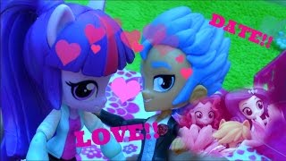 getlinkyoutube.com-Twilight And Flash Sentry Fall In Love! DATE!! MLP Toy Play