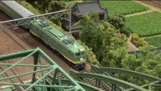 getlinkyoutube.com-Nゲージ・鉄道模型 KATO 特急「つばめ」青大将
