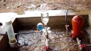getlinkyoutube.com-Carneiro hidráulico de garrafa PET 2/2 (Hydraulic Ram Pump)