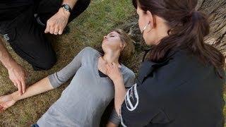 getlinkyoutube.com-How to Help Someone Who Has Fainted | First Aid Training