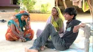 getlinkyoutube.com-Salt-making on India's west coast