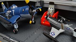 getlinkyoutube.com-Disney CARS Toys & Planes Movie Dusty Crophopper Yorkie Aircraft Carrier Playset
